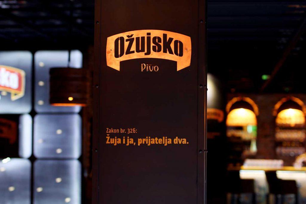Ožujsko Pub Maksi u Zagrebu, interijer, detalj, Žujin Zakon