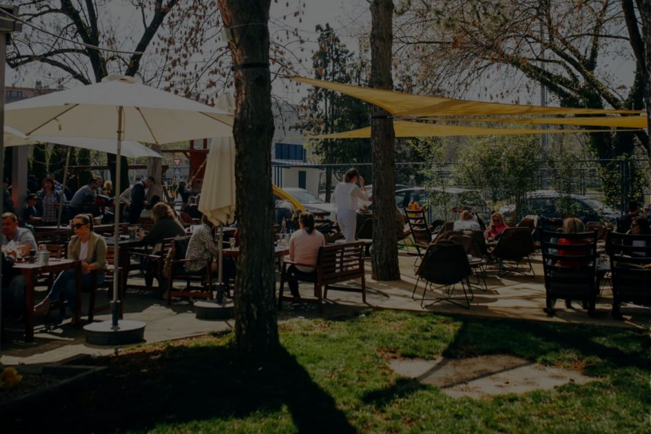 Ožujsko Pub Maksi obiteljski restoran s prostranom terasom i igralištem za djecu